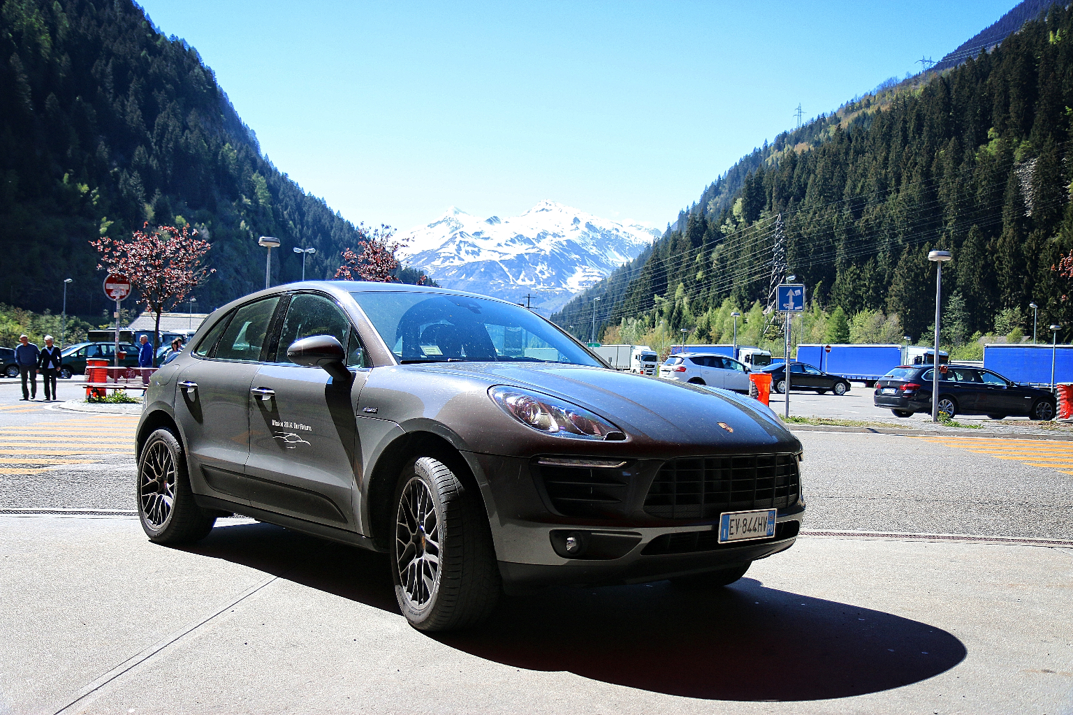porsche macan s diesel la nostra prova su strada della tigre tedesca. Black Bedroom Furniture Sets. Home Design Ideas