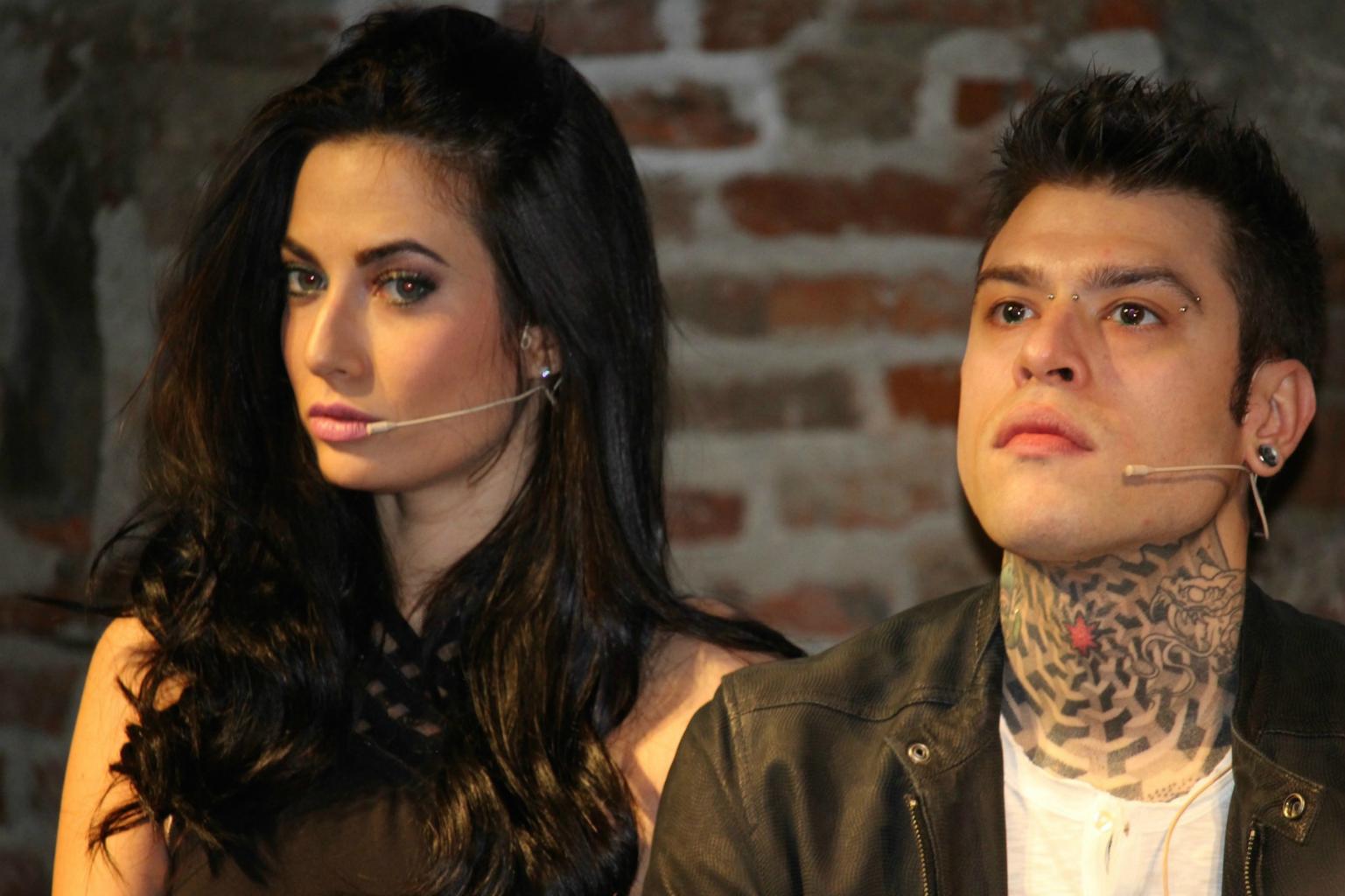 Fedez e la fidanzata Giulia protagonisti della Campagna P