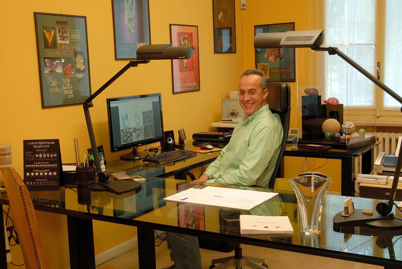 Paolo Genta nel suo laboratorio