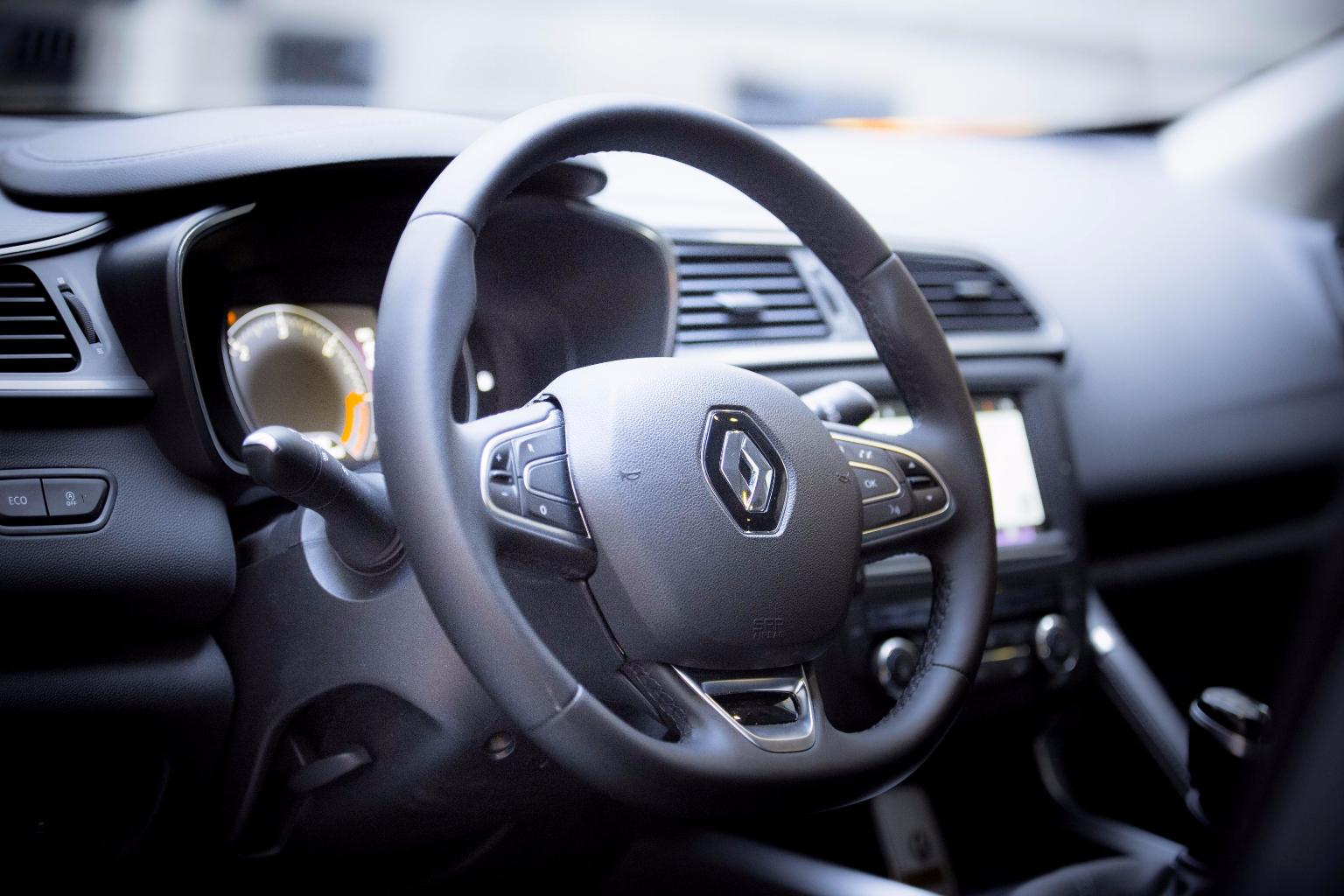 Renault kadjar la prova su strada del suv francese for Interno kadjar