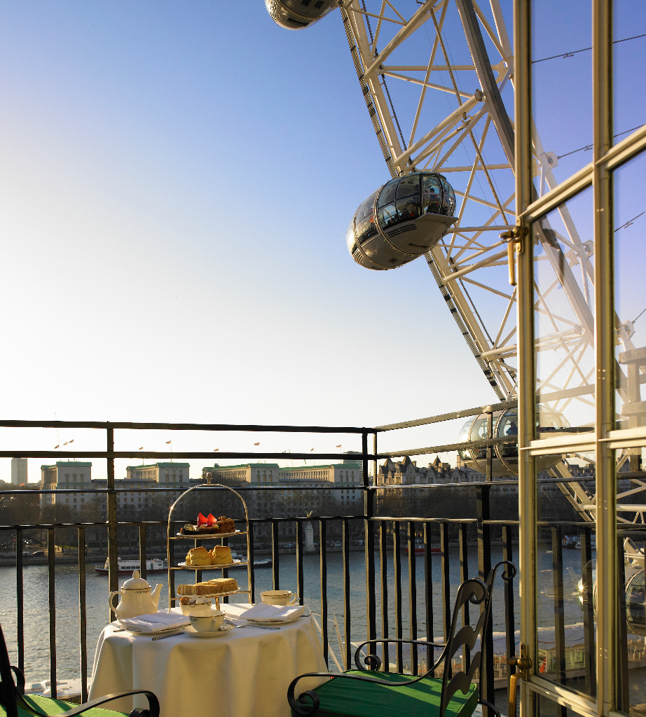 london_county_hall-balcony-suite-view-of-the-london-eye