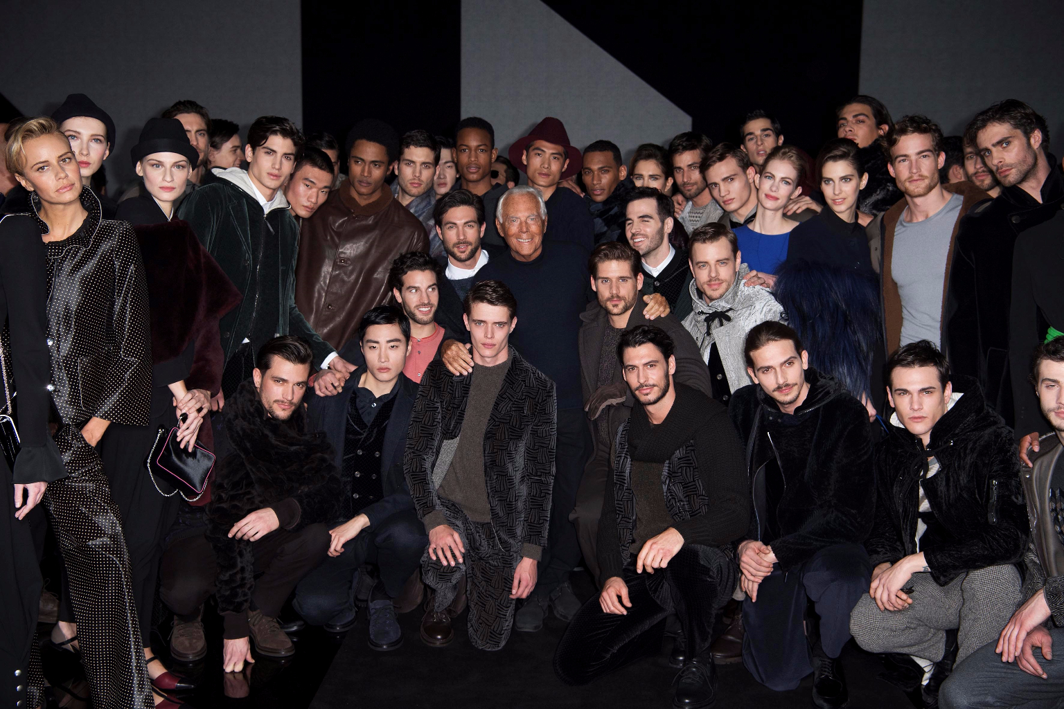 Giorgio Armani Menswear FW1718_GA with models (002)